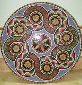 antik desenli mozaik masa